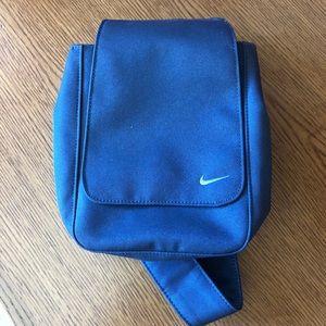 ✨ Nike Crossbody Fannypack